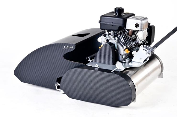 Vřetenová sekačka Edwin Speciál. Uhlíková vlákna, nerez ocel, Kawasaki motor, střih jako nůžky.